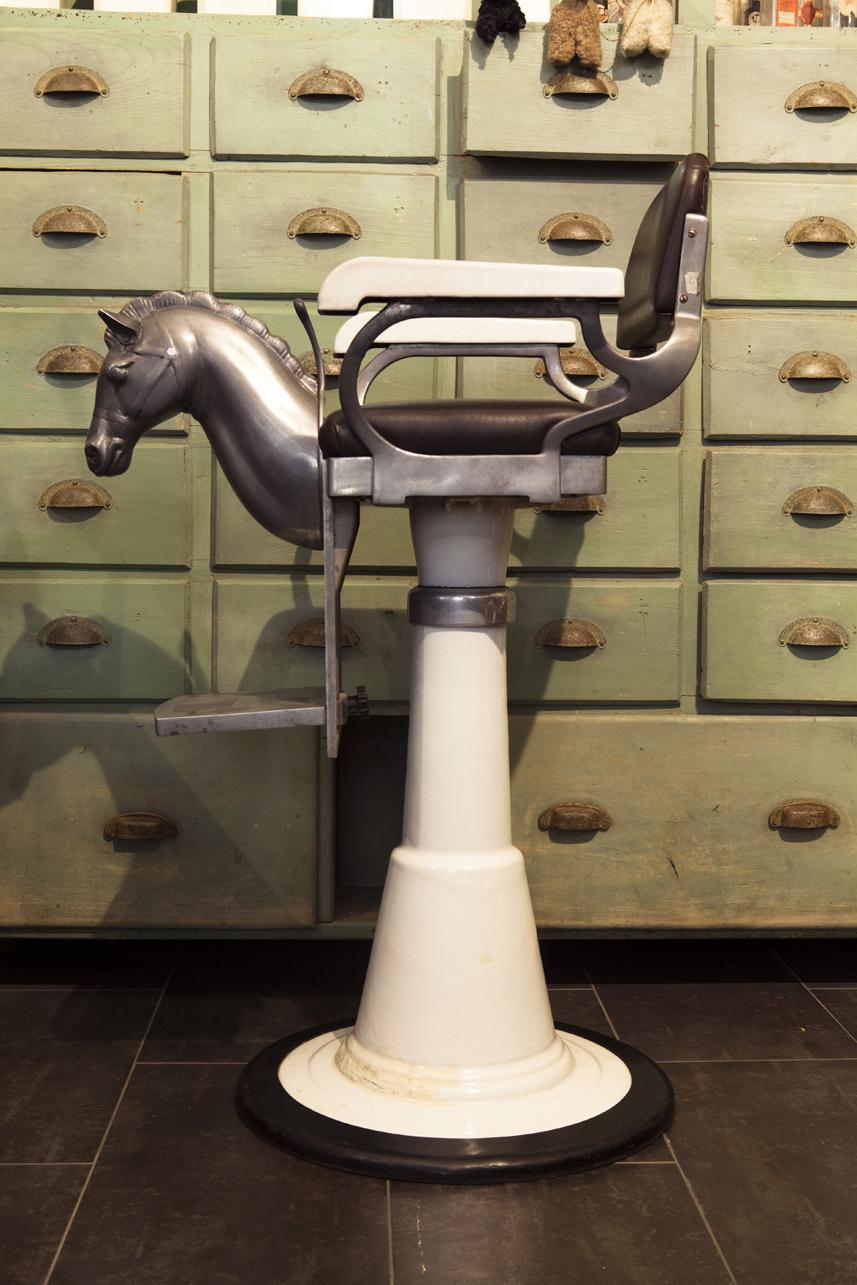poltrona cavallino da barbiere neoretr