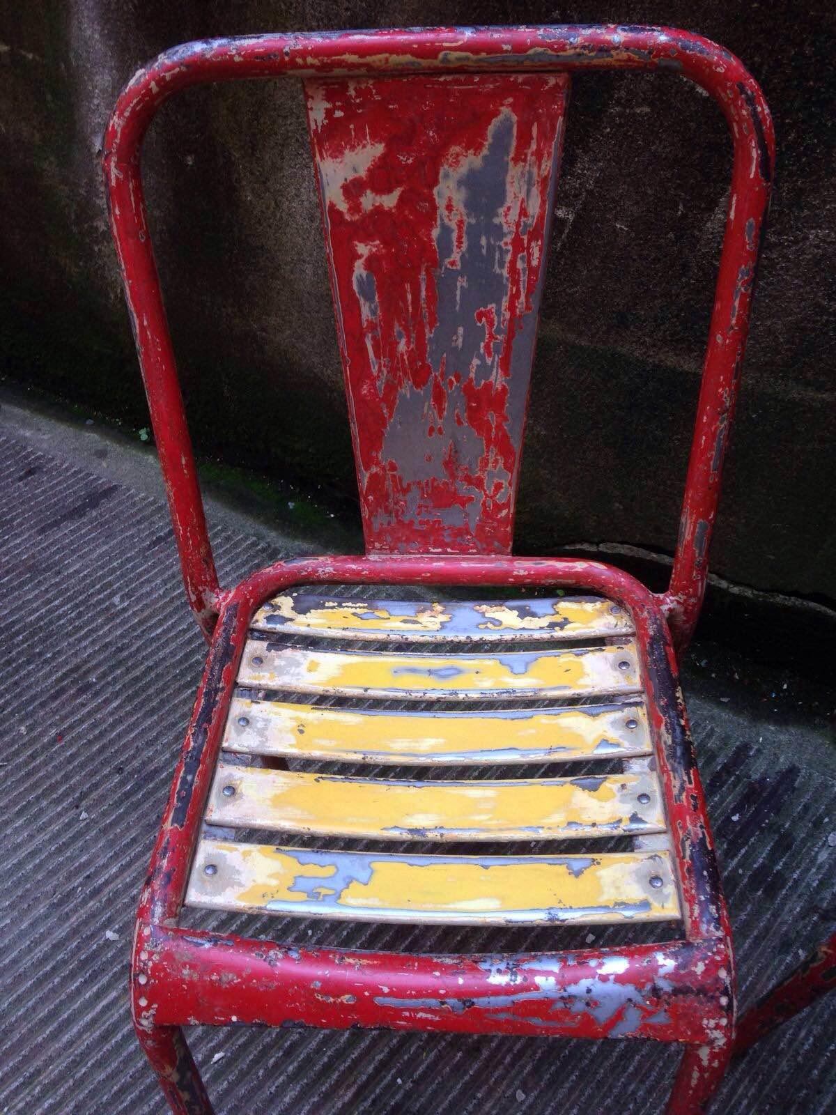 Set di 4 sedie originali tolix modello t4 neoretr for Sedie originali
