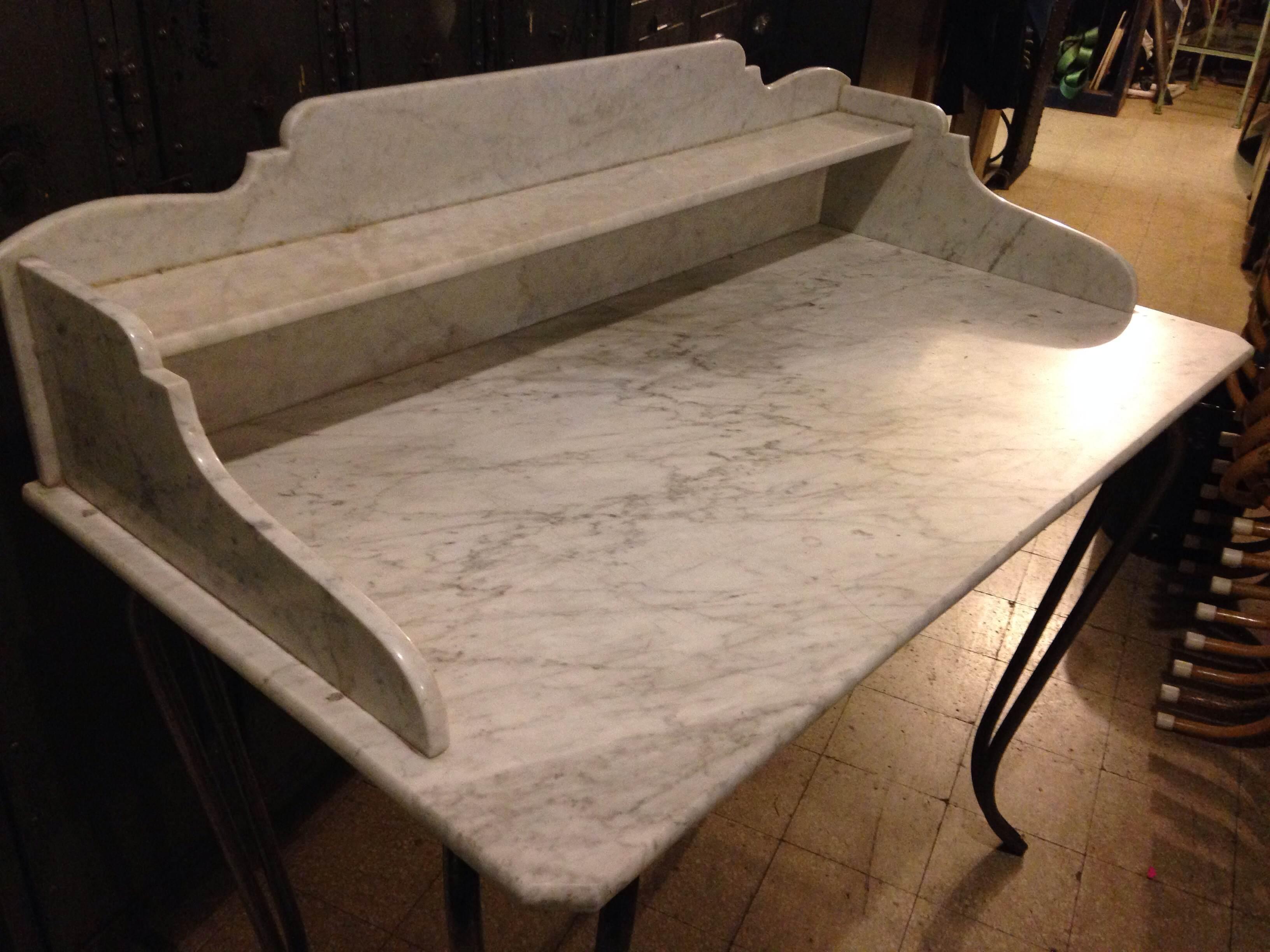 Tavolo Da Lavoro Macelleria : Tavolo da lavoro con ripiano in marmo neoretrò