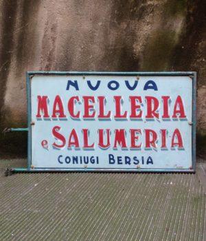 Insegna 'Nuova macelleria e Salumeria'