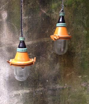 Lampade industriali da sospensione in vetro smerigliato