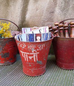 secchi da pompiere porta riviste porta fiori