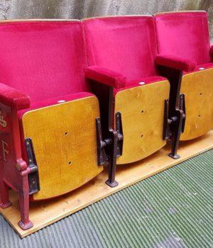 Poltrone teatro cinema sedute poltroncine fila
