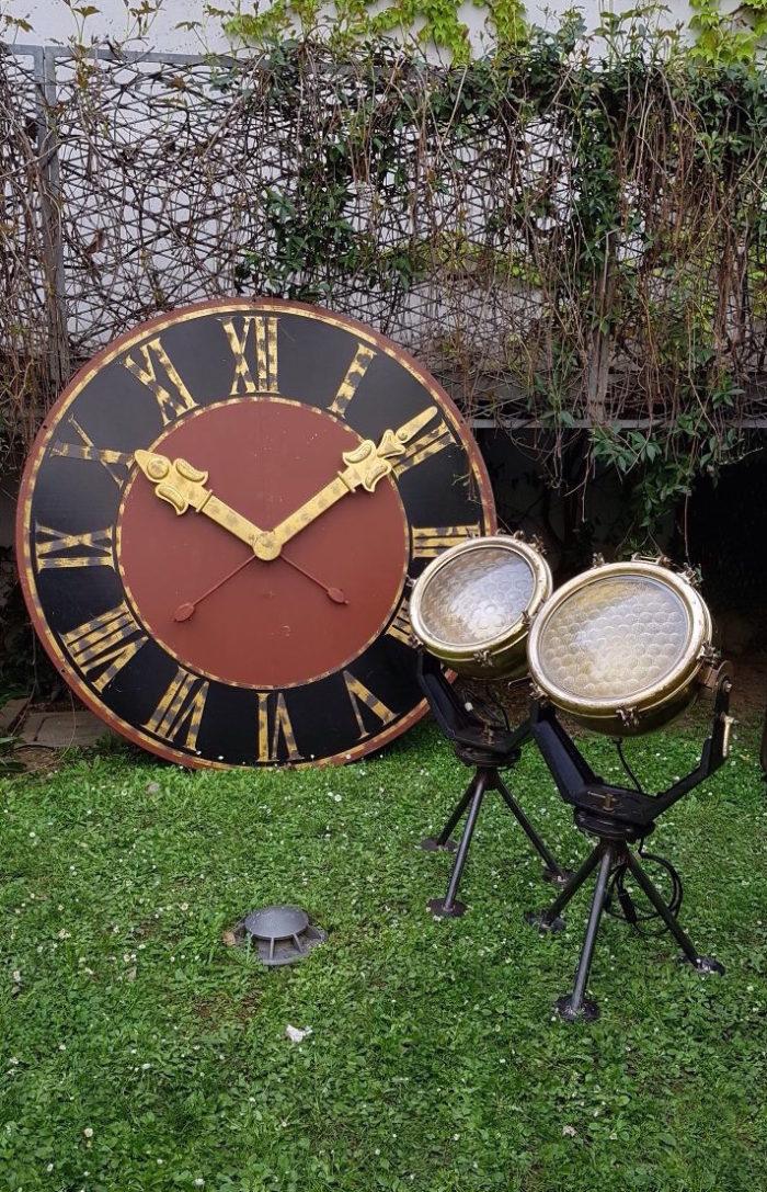 Fari navali e orologio per allestimento