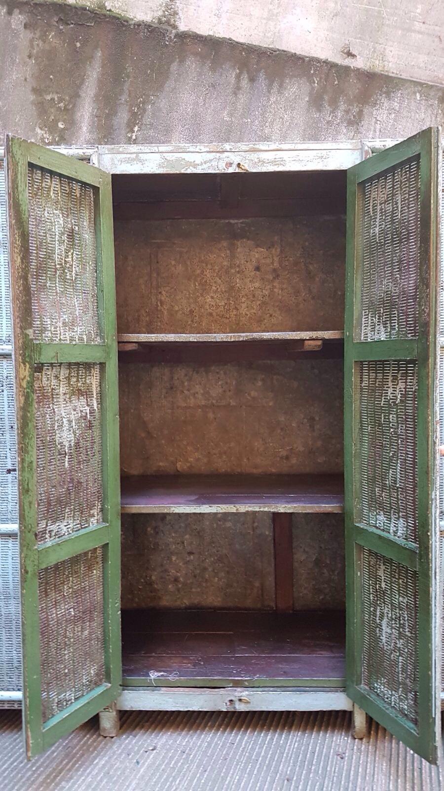 Armadio dispensa legno e ferro neoretr for Dispensa legno