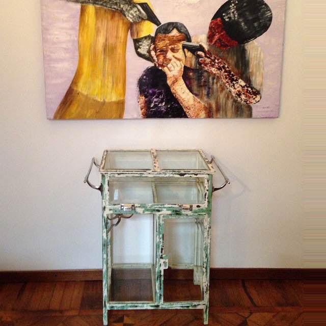 img_vetrinetta-medicale-anni40-ingresso-casa-di-un-cliente