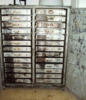 ARMADIO INDUSTRIALE OFFICINA 26 cassetti