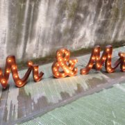 "PAROLA LUMINOSA ""MR & MRS"""