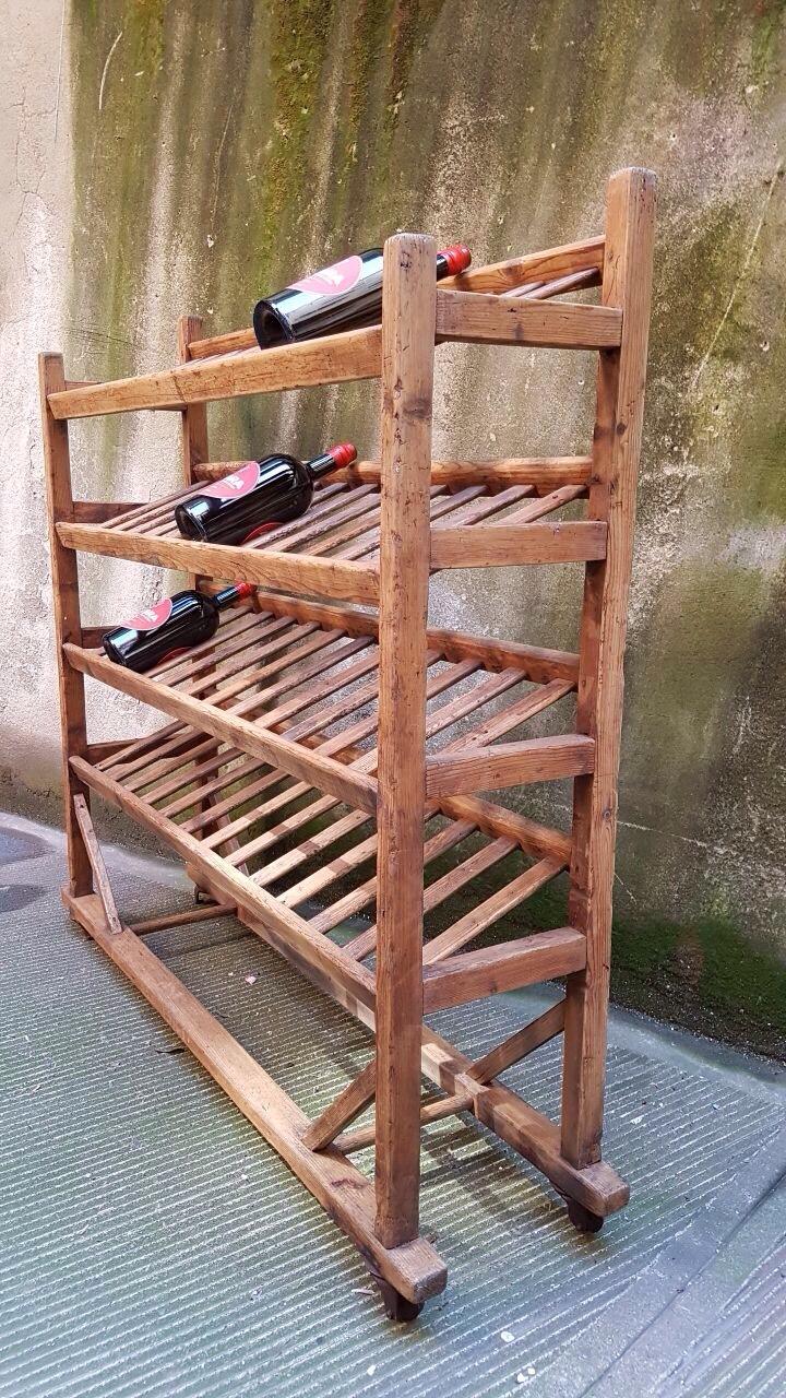 Carrello legno ripiani inclinati, idea cantinetta, appoggia bottiglie