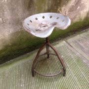 Sgabello ferro industrial vintage