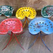 Sgabelli modello Trattore, sedie in ferro colorate