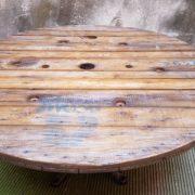 Tavolo piede industriale con ripiano ex botte