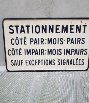 Targa francese 'Stationnement'
