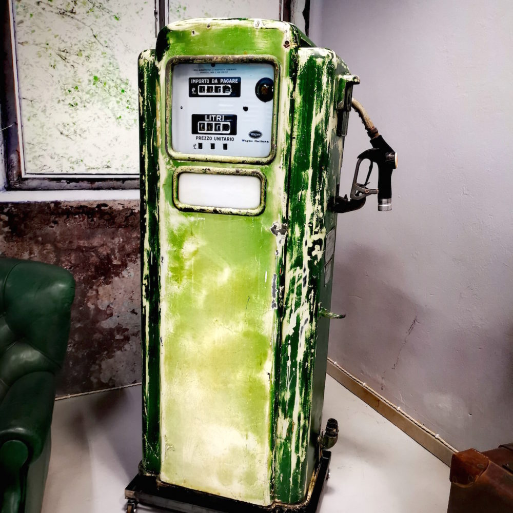 Distributore Benzina Vintage