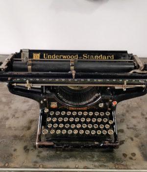 Macchina Scrivere Marca Underwood